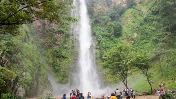 Wli waterfall-www.grassrootours.com